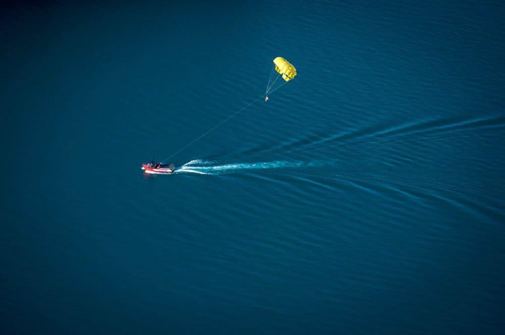 Parasailing (Parachute ascensionnel)