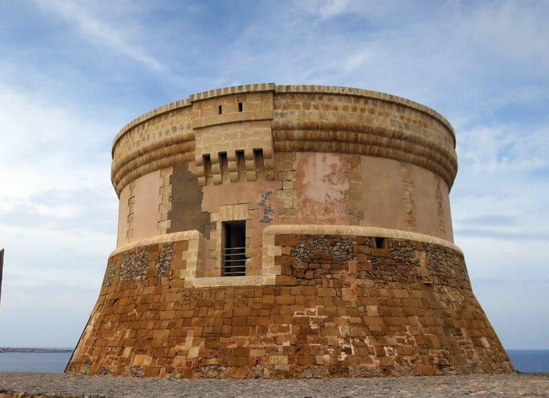 Torre Fornells | Visiter Minorque : Monuments Et Musées, Mon Guide | Incontournables Minorque