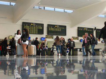 Terminal aéroport Menorca