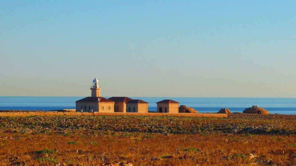 Le phare de Punta Nati
