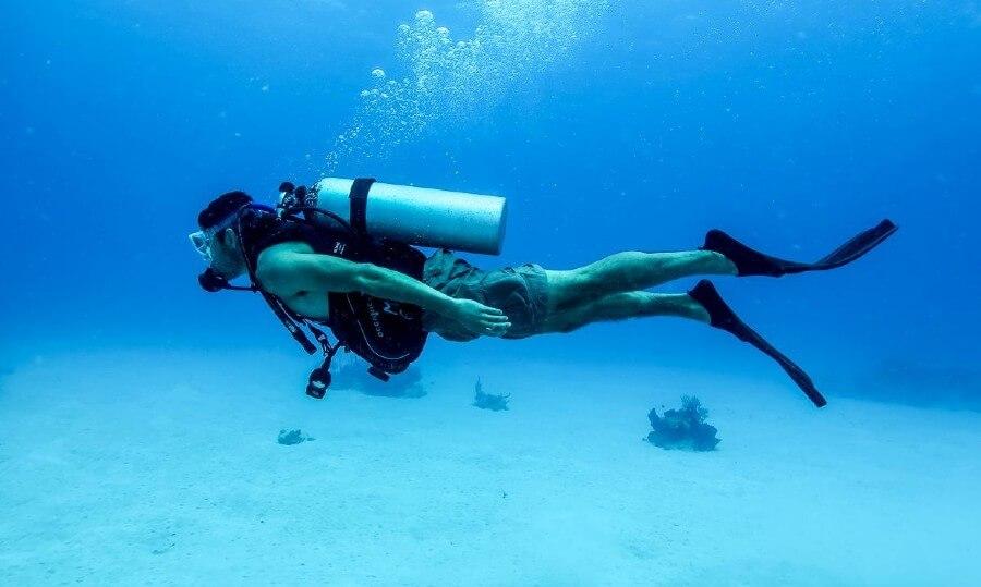 Plongée à Minorque : Un monde sous-marin à explorer