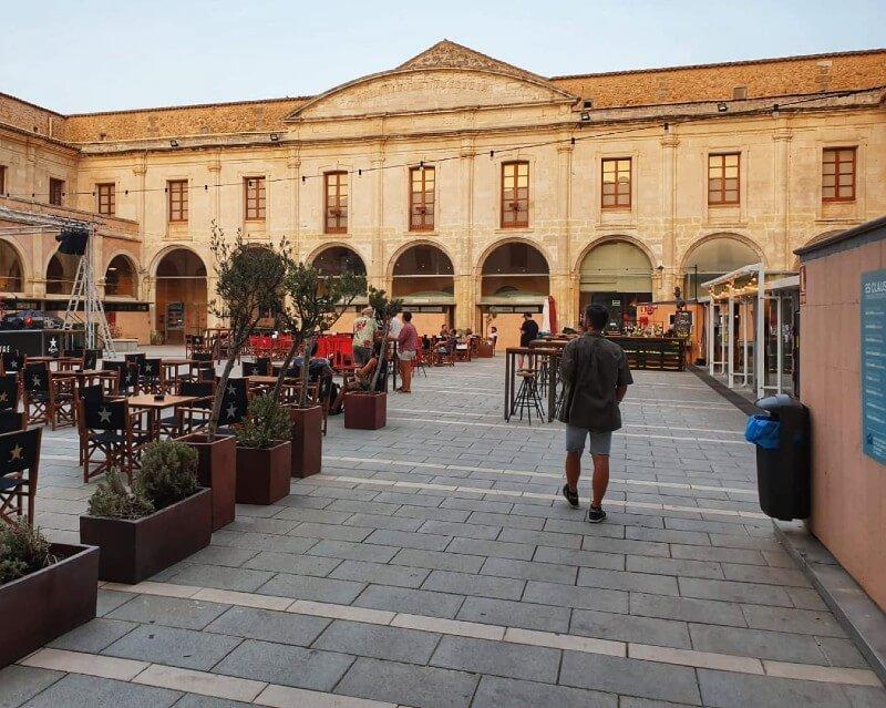 Claustre | Hostal Jume Urban Rooms, En Plein Cœur De Mahon | Bons Plans Minorque