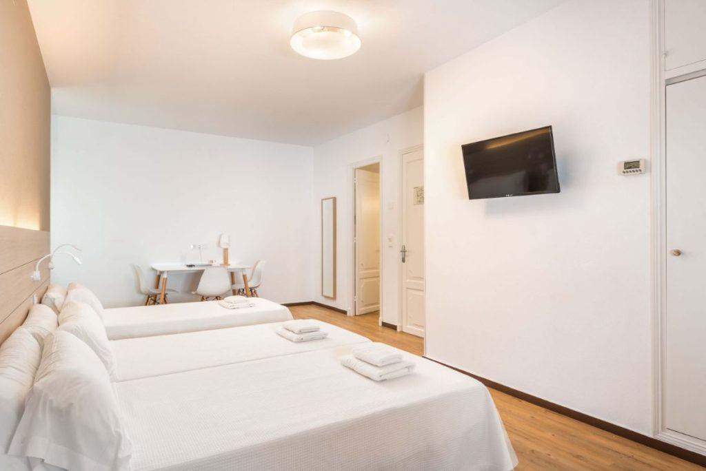 Familiale | Hostal Jume Urban Rooms, En Plein Cœur De Mahon | Bons Plans Minorque