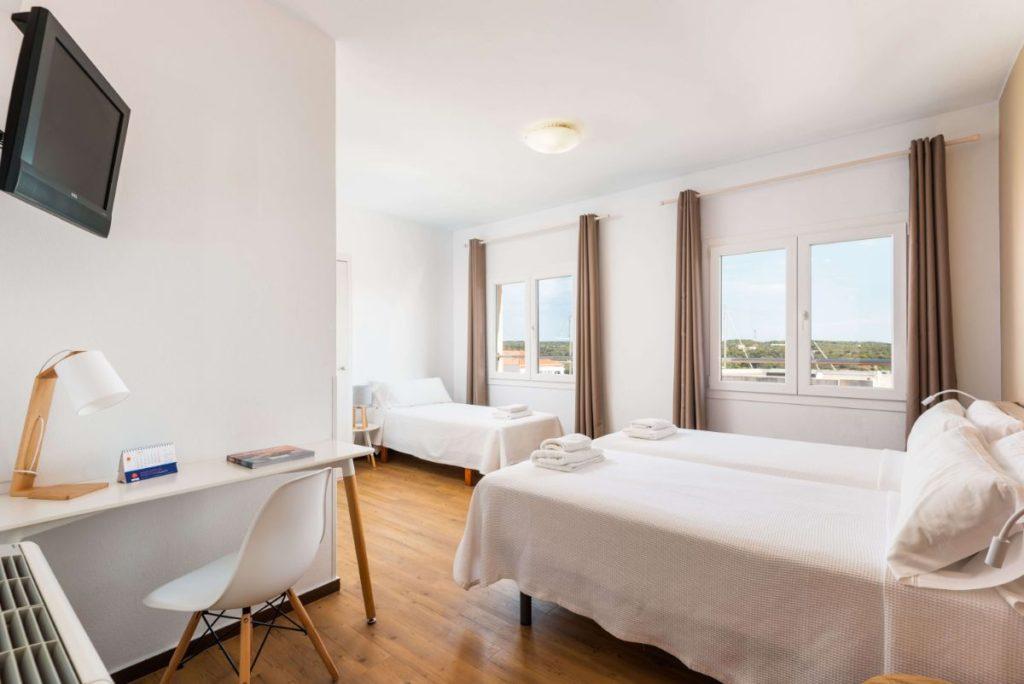 Familiale 2 | Hostal Jume Urban Rooms, En Plein Cœur De Mahon | Bons Plans Minorque
