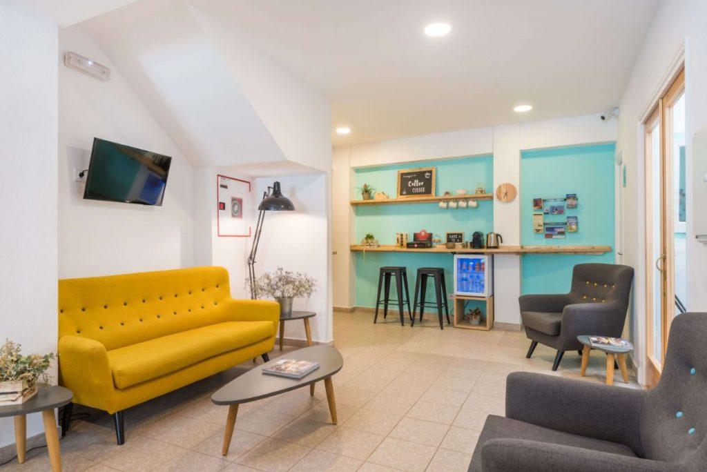 Reception | Hostal Jume Urban Rooms, En Plein Cœur De Mahon | Bons Plans Minorque